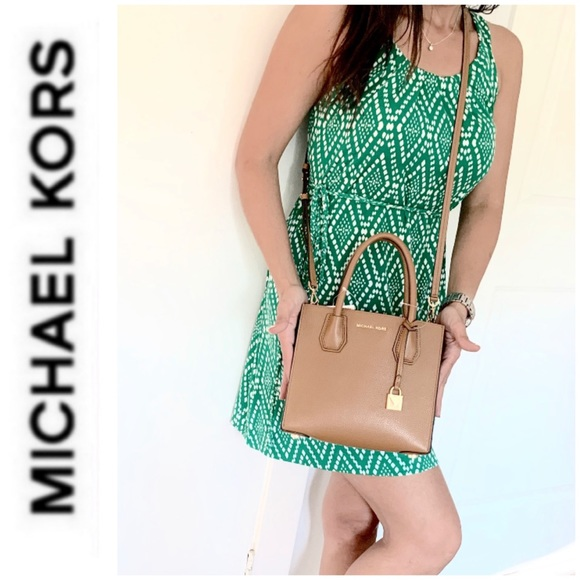Michael Kors Handbags - NWT authentic MK genuine leather Mercer messenger